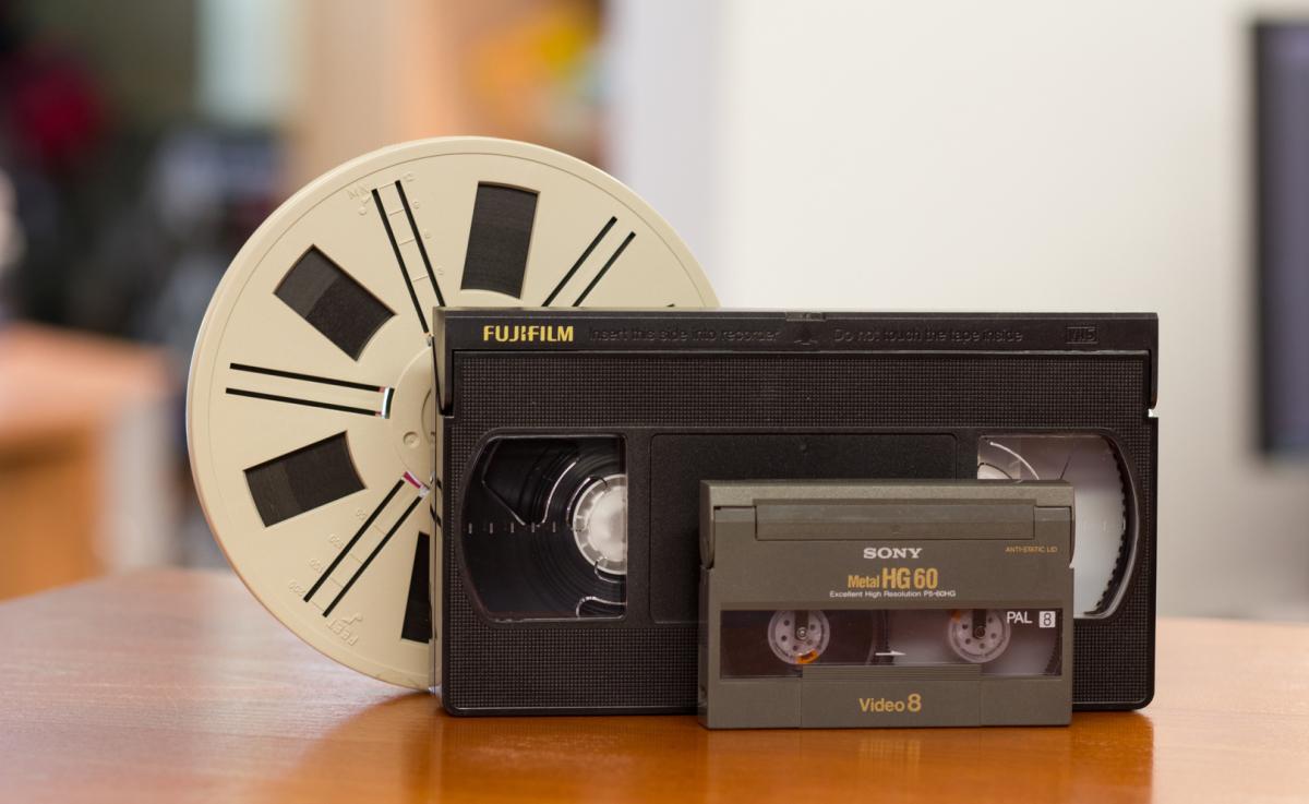 Super-8 Spule, VHS-Kassette, Mini-DV